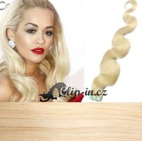 50 cm vlnité vlasy pro metodu Tape IN - odstín platina #60